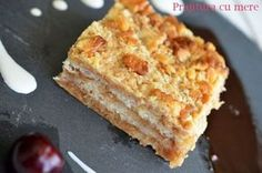 Prajitura super-rapida cu mere - Retete culinare by Teo's Kitchen My Recipes, Cake Recipes, Cooking Recipes, Good Food, Yummy Food, Tasty, My Favorite Food, Favorite Recipes, Romanian Desserts