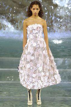 Fendi Fall 2016 Couture Fashion Show - Yasmin Wijnaldum RUNWAY WAS THE TREVI FOUNTAIN!!