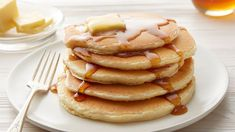 Give your morning routine a boost of protein by using Bisquick and Yoplait Greek Yogurt to mix up some extra fluffy Vanilla Protein Pancakes. Vanilla Protein Pancakes, Greek Yogurt Pancakes, Cake Batter Pancakes, Pancakes And Waffles, Fluffy Pancakes, Buttermilk Pancakes, Basic Pancake Mix Recipe, Bisquick Recipes, Pancake Recipes