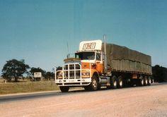 Vintage Trucks, Old Trucks, Road Train, Kenworth Trucks, How To Clean Metal, Trucks And Girls, Edd, Classic Trucks, Rigs