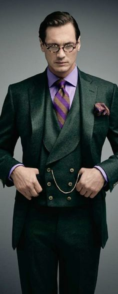 Amazing suit in a RayBan ad