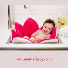 HOW CUTE Is This?!!  Blooming Baths: The Amazing New Way to Bathe Your Baby. Watch This Video: https://nonnasbaby.co.uk/blooming-bath-for-babies/