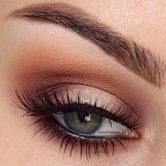I like this pretty classic kind of look- lined eye- shaped brow and lashes that stand out.