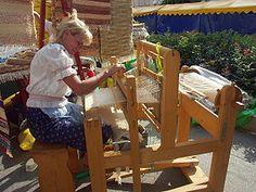 Krosná alebo tkáčske krosná (v slangu alebo historicky: stav, tkáčsky stav) sú nástroj z dreva slúžiaci na tkanie látky z nití. Tento nástroj bol v minulosti jediným nástrojom na výrobu textílií a používa sa dodnes.