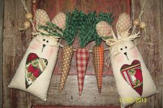 Love these fabric carrots and bunnies!