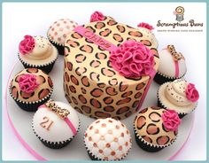 Leopard print cake and cupcakes! Pretty Cakes, Cute Cakes, Beautiful Cakes, Amazing Cakes, Big Cakes, Little Cakes, Fancy Cakes, Torta Animal Print, Animal Print Party