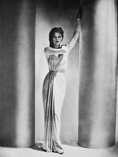 Model wearing a gown by Madame Gres, in a photo by George Platt Lynes for Harper's Bazaar Alix ( Madame Grès ) Dress Lud, 1938 -. Madame Gres, Palm Beach, Harlem Renaissance, 1930s Fashion, Vintage Fashion, Fashion 2018, Dress Fashion, Fall Fashion, Vintage Photography