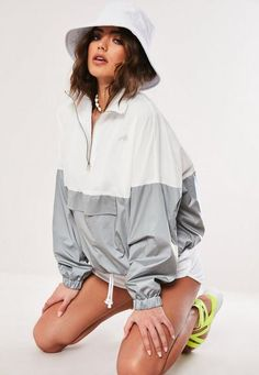 Shop coats & jackets right here at Missguided and prepare to look hot when the weather's not. White Windbreaker, Windbreaker Jacket, Casual Dresses For Women, Casual Outfits, Coats For Women, Clothes For Women, Cargo Jacket, Hai, Style Casual