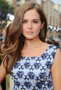 """Zoey Deutch 18 Says 'Vampire Academy' Script Is 'So Funny & Interesting'.Calling her new role badass she also said playing it in the auditions was physically exhausting.  """"I was very fully in it. I had already kind of started training because Rose Hathaway is very physical."""" Zoey Deutch Talks 'Beautiful Creatures' & 'Vampire Academy' BELLO EXCLUSIVE http://belloblog.com/2013/02/13/zoey-deutch-talks-beautiful-creatures-vampire-academy-bello-exclusive-zoeydeutch…"""