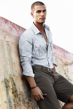 nathan owens represented by Wilhelmina International Inc. Nathan Owens, Stylish Men, Men Casual, Casual Wear, Muscular Men, Fine Men, Well Dressed Men, Casual Street Style, Gorgeous Men