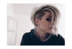 Undercut short/medium hair