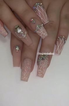 Ongles Bling Bling, Bling Nails, 3d Nails, Stiletto Nails, Nail With Rhinestones, Rhinestone Nails, Stylish Nails, Trendy Nails, Bling Wedding Nails