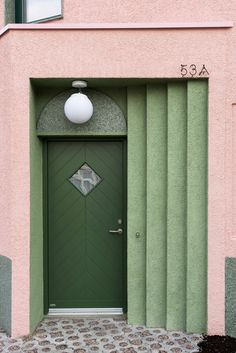 Pretty in Pink: Wohnhaus in London Colour Architecture, Architecture Details, Interior Architecture, Revit Architecture, Chinese Architecture, Futuristic Architecture, Facade Design, Door Design, Office Interior Design