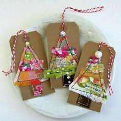 Fabric Holiday Tags, Fabric Scrap ChristmasTree Tags, Fabric Art Tags, Stitched Fabric Scrap Gift Tags, Scrapbook Christmas Tags - No. 146 Fabric Holiday Tags Fabric Scrap ChristmasTree by tracyBdesigns Christmas Makes, Noel Christmas, Handmade Christmas, Christmas Scrapbook, Christmas Sewing, Christmas Projects, Christmas Crafts, Christmas Ornaments, Holiday Gift Tags