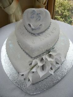 Silver Anniversary Cake minus the flowers 25th Wedding Anniversary Cakes, Silver Anniversary, Anniversary Decorations, Diamond Anniversary, Anniversary Ideas, Wedding Cakes, Rodjendanske Torte, Heart Shaped Cakes, Cake Craft