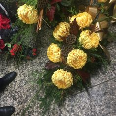 Fall Flowers, Funeral, Fruit, Flower Arrangements, Floral Arrangements, Flower Decorations, Fall Season, Autumn Flowers