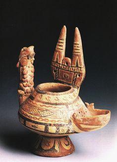 Vaso a filtro, V a.C. Museo Archeologico, Bari. Provenienza Canosa di Puglia. Cultura italica