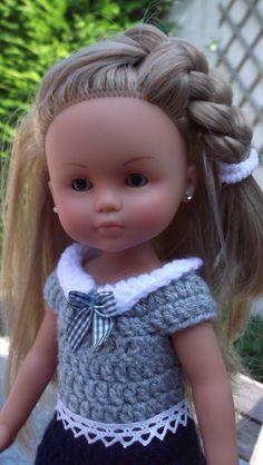 Robe pour Marguerite + tuto - lespetitsdoigtsdenelle Crochet Necklace, Crochet Hats, Dolls, Jasmine, Fashion, Crochet Doll Clothes, Crochet Toys, Crochet Dolls, Knitting Hats