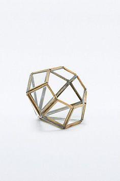 Petite boîte à bijoux en forme de diamant