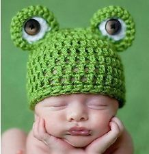 Handmade Knit Crochet Frog Baby Hats Newborn Photo by GemsforDivas Newborn Crochet, Crochet Baby Hats, Crochet Beanie, Baby Knitting, Knit Crochet, Hand Crochet, Knitted Baby, Free Crochet, Knitting Wool
