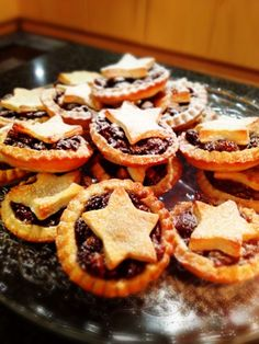 4 days to go!! Not only are these the simplest DIY deserts to see you through the winter period, they are the most delicious! Seriously, the mincemeat combined with this sweet shortcrust pastry has...