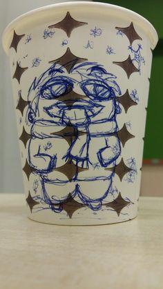 Art on Cups, bardakta çizim.  Snow and fun. Kar ın tadını çıkarmak.