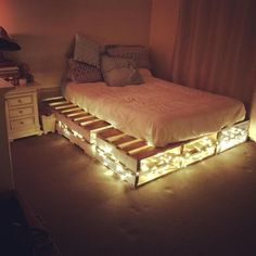 Pallet Furniture For Your Complete Home Sensod Create. Easy To Make And Design Beautiful Pallet Beds Ideas with hidden lights The post Pallet Furniture For Your Complete Home Sensod Create. appeared first on Pallet Diy. Small Apartment Bedrooms, Apartment Bedroom Decor, Wooden Pallet Furniture, Furniture Ideas, Bedroom Furniture, Furniture Nyc, Pallet Furniture With Lights, Palette Furniture, Furniture Design