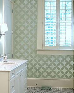 Remodelando la Casa: Painted Geometric Wall with no purchased stencil