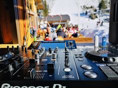 MUSIC ON! 😎🎶 Auf unserer Ainkehr Terrasse erwartet Sie täglich bei Schönwetter chilliger DJ Sound direkt an der Piste. Vorbei kommen, den Tag genießen und cooler Musik lauschen - das sind wahre Alpine Moments! 🎧🗻 #dj #sounds #katschberg #music #direktanderpiste #restaurant #ainkehrkatschberg #winter #chillout #kärnten #alpinemoments Dj Sound, Restaurant, Mixer, Gourmet, Dance Floors, Terrace, Rustic, Music, Nice Asses
