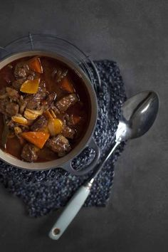Beef and Orange Daube Bill Granger, Great Recipes, Favorite Recipes, Aussie Food, Slow Food, Pot Roast, Food And Drink, Cooking Recipes, Yummy Food