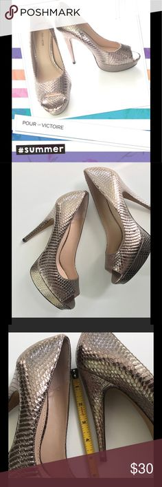 Pour La Victoire bronze heels Beautiful Bronze Italian leather heels. EXCELLENT condition no defects no scratches . Can't handle 5 inch heels anymore. Pour La Victoire Shoes Heels