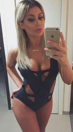 0217-sexy-selfie-ao-768-reveal-480w.jpg (330×601)