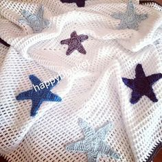 Discover thousands of images about crochet design handmade baby blanket Crochet Feather, Crochet Stars, Baby Blanket Crochet, Crochet Baby, Crochet Designs, Crochet Patterns, Crochet Appliques, Handmade Baby Blankets, Manta Crochet