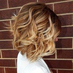 Short soft wavy bob hairstyle for thick hair