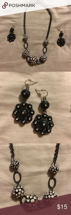 Black Rhinestone necklace with drop earrings This rhinestone necklace & drop earrings will complete your outfit. No signs of tarnishing on this dark tone metal. Lobster clasp and & necklace length can be adjusted with the extra links on the end. There is one small missing stone as shown in the 5th picture. Perfect for that night out on the town or event that your going to. 👠👗👛👓 Worthington Jewelry Necklaces