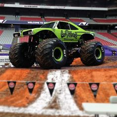 #mulpix The Gas Monkey Garage Monster Jam truck is ready to go at the University of Phoenix Stadium! If you're there, post a photo and use the hashtag #gmgmonsterjam for a chance to win a prize! #monsterjam #gasmonkeygarage #monstertruck