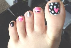 valentine's day toenail designs