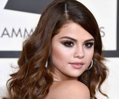 Selena Gomez Grammys 2016 Makeup Tutorial | Get This Gorgeous Look With Our Easy DIY Makeup Tutorials, check it out at http://makeuptutorials.com/selena-gomez-grammy-2016-makeup-tutorial/
