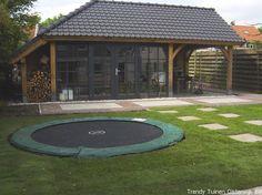 Eiken tuinhuis met veranda Love Garden, Home And Garden, Belgian Style, She Sheds, Covered Decks, Garden Buildings, Outdoor Living, Outdoor Decor, Garden Inspiration