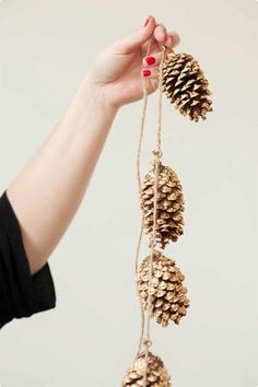 gilded pinecone garland, christmas, autumn, nature, decoration, DIY