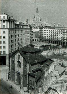 San Giovanni in Conca durante le demolizioni, 1948