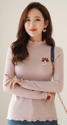 StyleOnme_Scallop Trim Mock Neck Knit Tee #pink #cute #tee #koreanfashion #kstyle #kfashion #seoul #dailylook