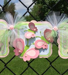 butterfly baby shower banner butterfly by NancysBannerBoutique - Faydalı Bitkiler Baby Shower Drinks, Baby Shower Table, Baby Shower Favors, Baby Shower Parties, Baby Shower Themes, Shower Ideas, Butterfly Baby Shower, Butterfly Birthday, Cricut Banner