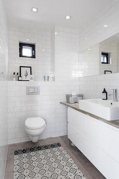 Bath Room Decor Ideas – Picture Ideas – Home Decorations, Closet Organization Bathroom Toilets, Laundry In Bathroom, Simple Interior, Interior Design, Beach Bathrooms, Diy Bathroom Decor, Bathroom Wallpaper, White Decor, House Rooms