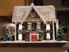 Ultimate Gingerbrad - Photo Contest: 2012 Holiday Gingerbread Contest