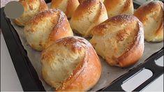 Vynikajúci recept na točené bagety z youtube - vyzerajú aj chutia fantasticky.Potrebujeme:1 pohár teplého mlieka1 pohár teplej vody 200 ml1 lyžica cukru 10 gramov1 čajová lyžička soli 8 gramov1 lyžica suchého droždia 10 gramov2 lyžice … Bagel Bread, Bread Bun, Pan Bread, Bread Cake, Eclair Cake Recipes, Bread Recipes, Real Food Recipes, Cooking Recipes, Homeade Bread