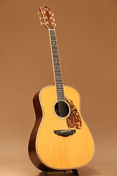 Terry's Terry TJ-100 Custom (1997) : Sitka Spruce top, Honduras Rosewood back & sides.
