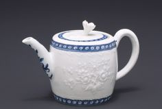 CA. 1765-68  ENGLISH, WORCESTER    Soft paste porcelain, 4 1/4 in. (10.8 cm), Kenneth and Priscilla Klepser Porcelain Collection, 94.103.194,    Provenance: [Mr T. Leonard Crow, Tewkesbury, England or Welwyn Garden City, England]; sold to Mr and Mrs Kenneth and Priscilla Klepser, unknown purchase date until 1994; gift from Mr and Mrs Kenneth and Priscilla Klepser to Seattle Art Museum, Washington, 1994