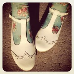 white leather mary jane brogues with floral tights