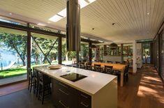 Casa en Lago Villarrica, Araucanía, Chile.   by Planmaestro